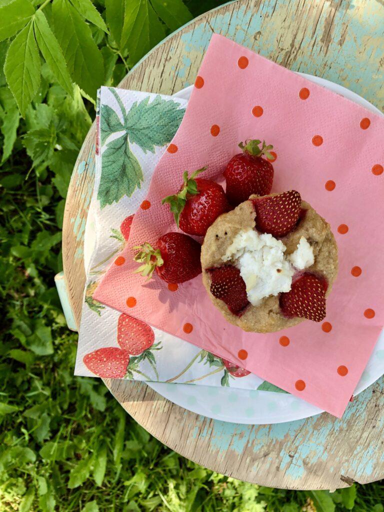 Näputoit_Ricottamuffinid maasikate ja sidruniga